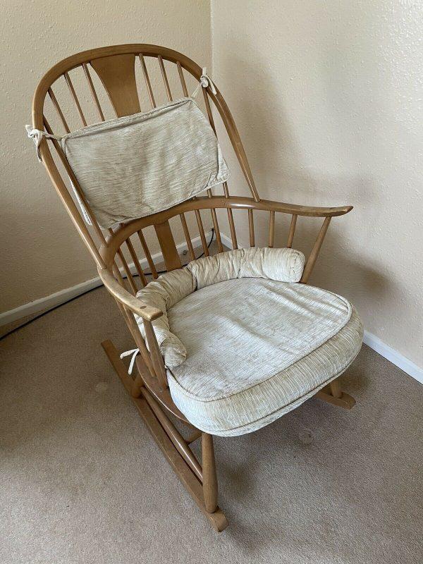 Ercol-Rocking-Chair-Elm-Original-Chair-makers-Rocking-Chair-384319190390