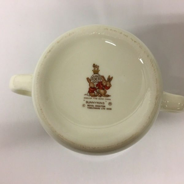 1982-Bunnykins-Commemorative-Loving-Cup-For-The-Birth-Of-Prince-William-383435046718-3