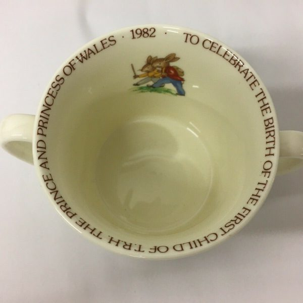 1982-Bunnykins-Commemorative-Loving-Cup-For-The-Birth-Of-Prince-William-383435046718-4